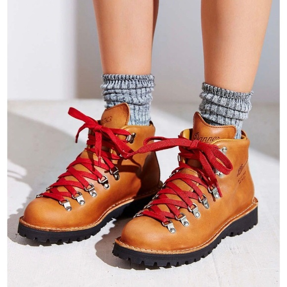 855633cb883 Danner Shoes - Women s Danner Mountain Light Cascade Hiking Boots